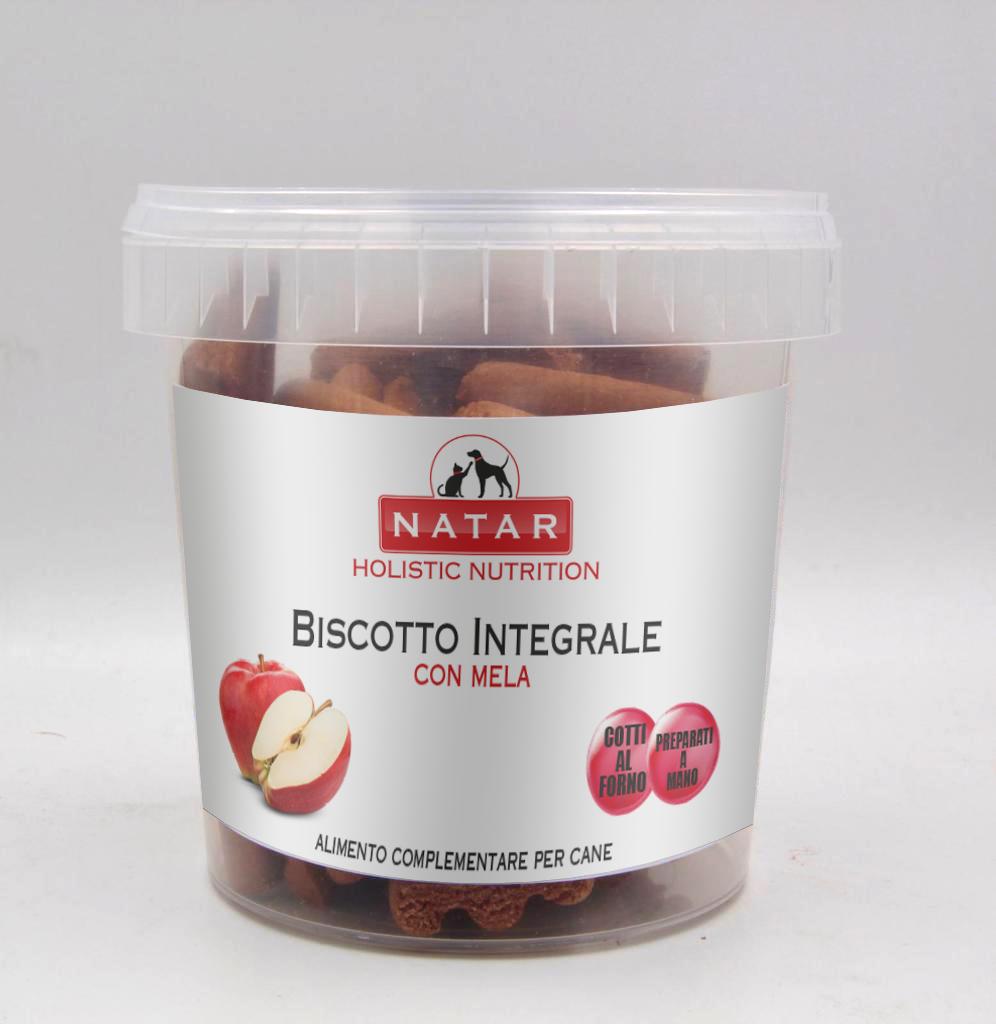 Biscotto integrale per cani cotto al forno preparato a mano con mela. Alimento complementare per cani.